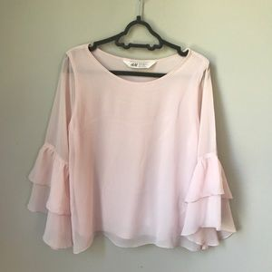 H&M Blouse flared sleeves